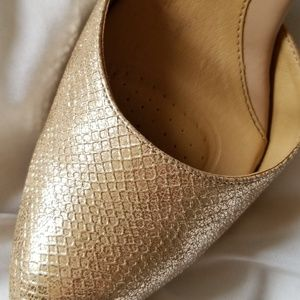 sole sensibility Shoes - Nude/gold heels